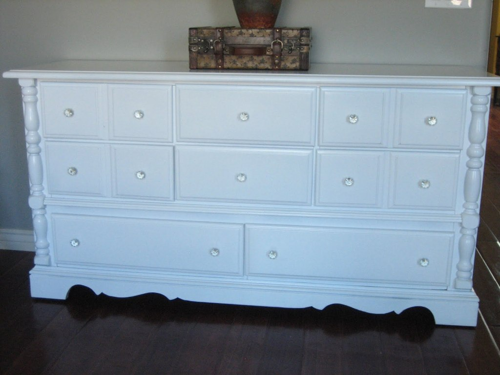Picture of: Cool Dressers Image