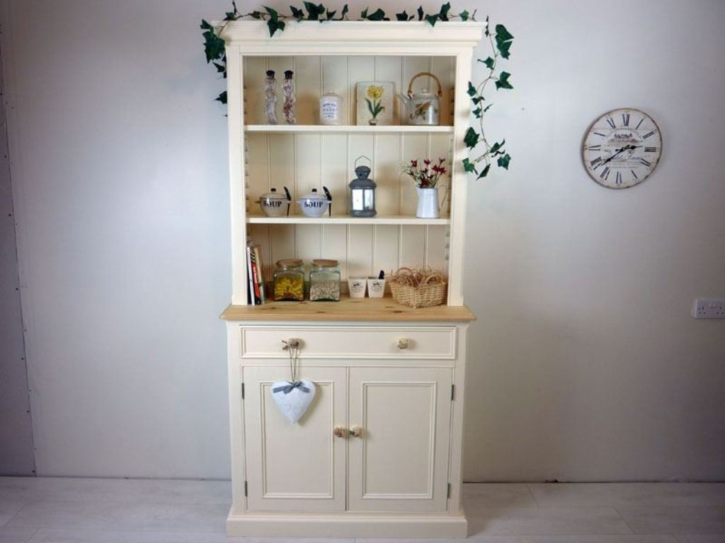 Image of: Country Style Dressers And Chests