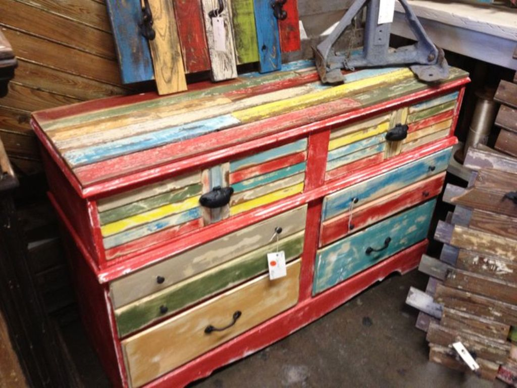 Image of: Distressed Wood Dresser Color