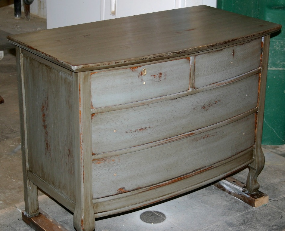 Image of: Distressed Wood Dresser Paint