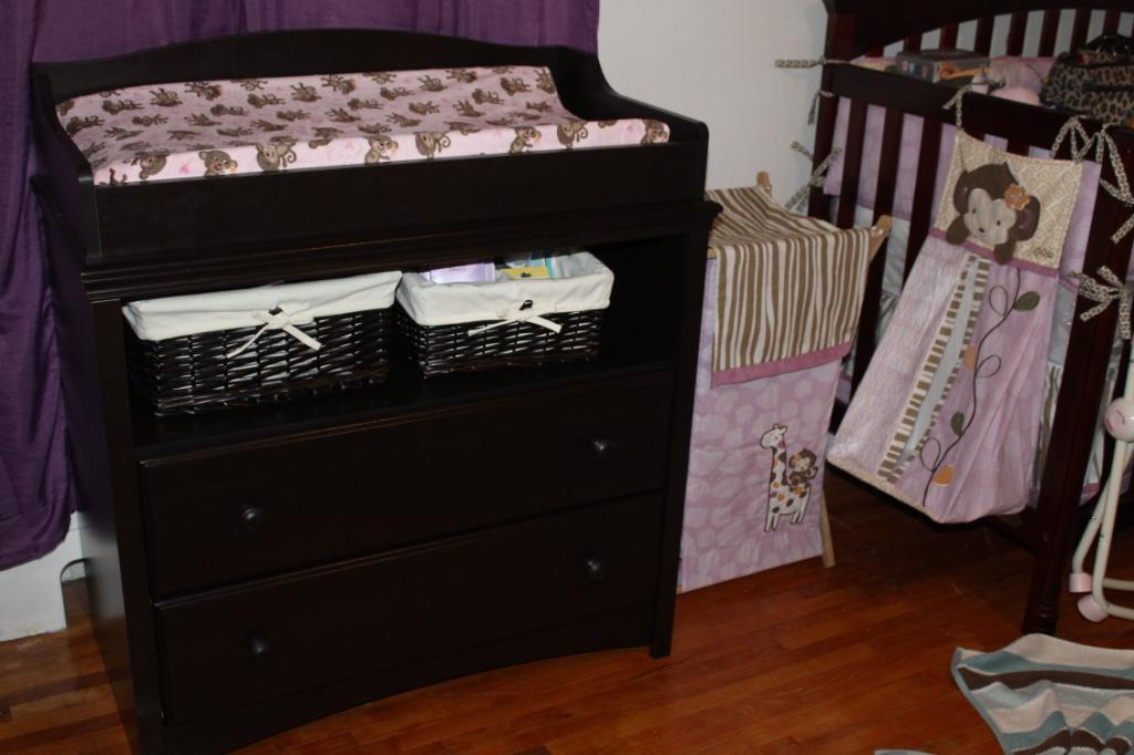 Image of: Dresser And Changing Table Combo