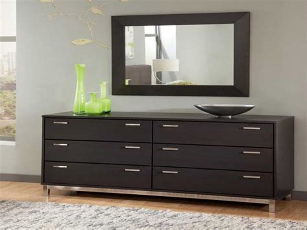 Image of: Dresser And Chest Set