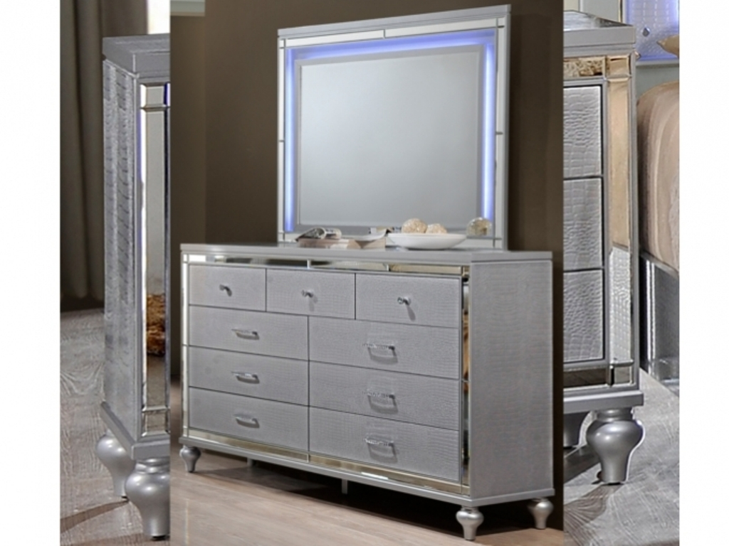 Image of: Dresser And Mirror Set Furniture