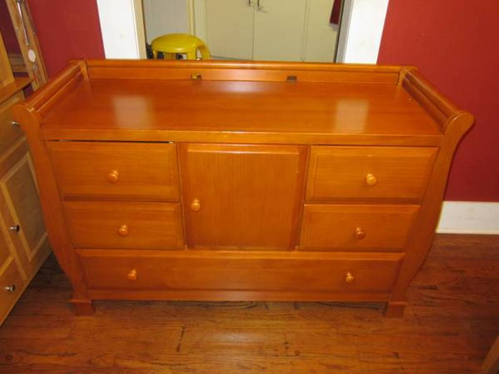 Image of: Dresser Changing Table Combo Furniture