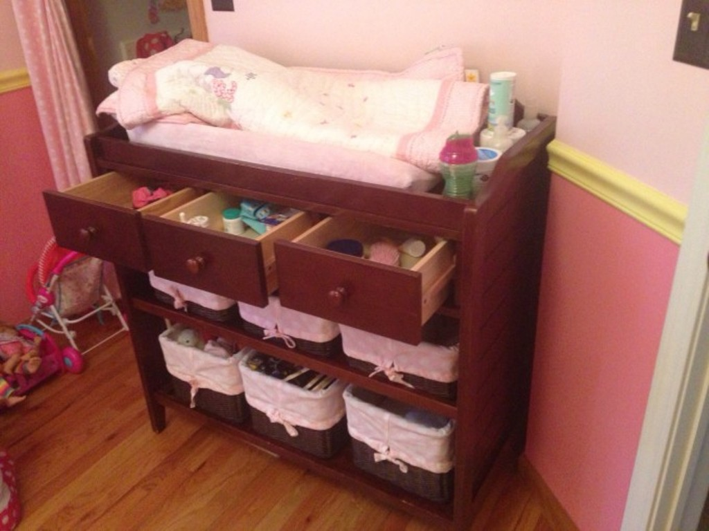 Image of: Dresser Changing Table Designs