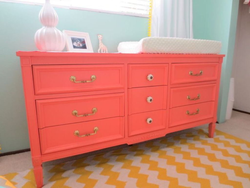 Image of: Dresser Changing Table Ideas