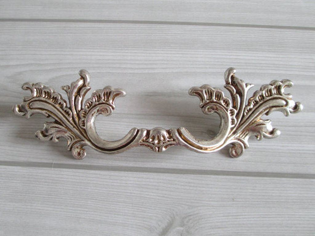 Picture of: Dresser Drawer Pulls 2.5 Inches