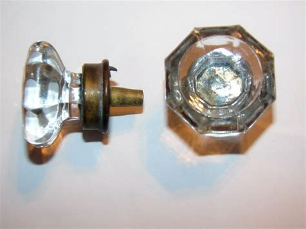 Picture of: Dresser Drawer Pulls And Knobs