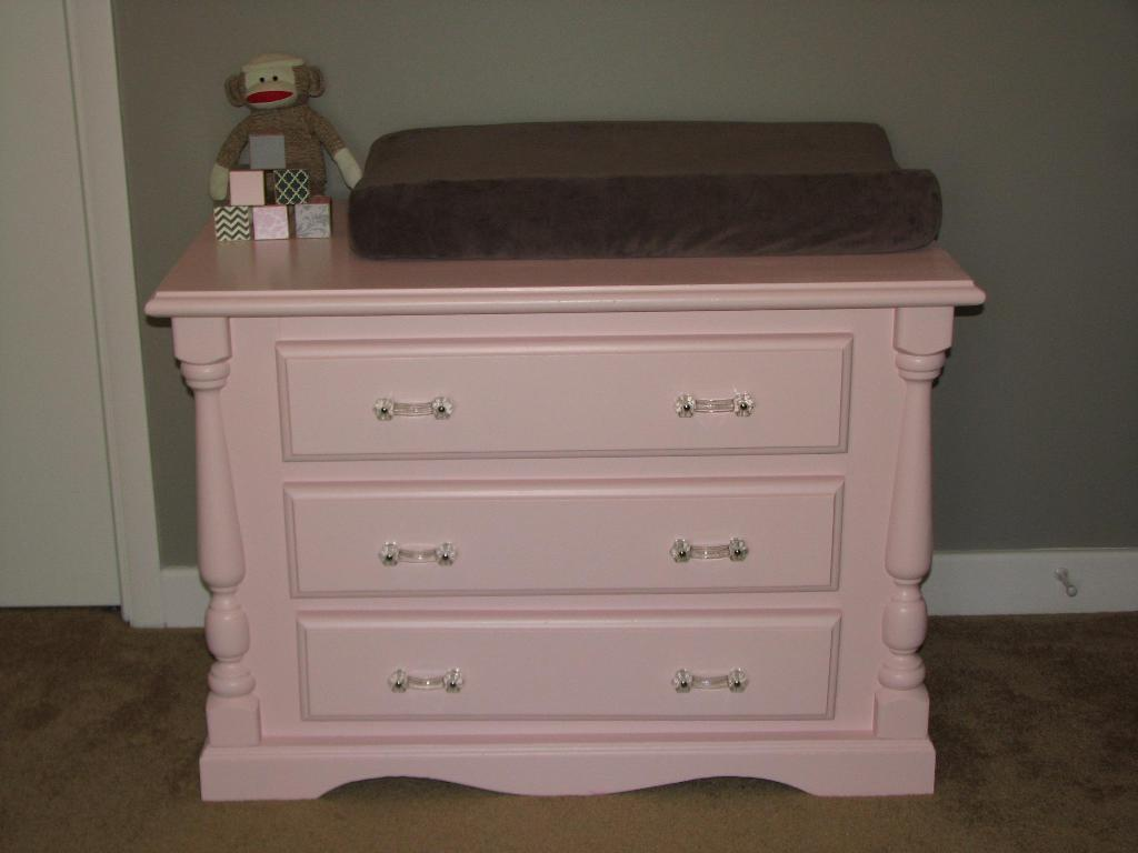 Picture of: Dresser With Changing Table On Top