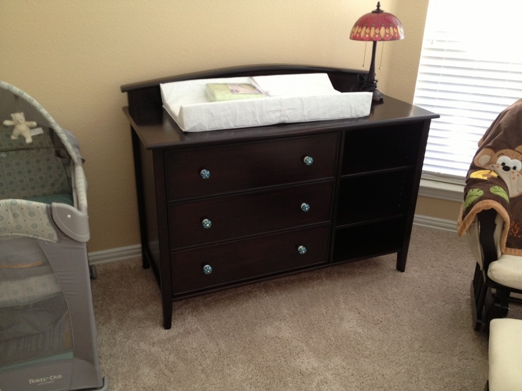 Dresser With Changing Table Topper