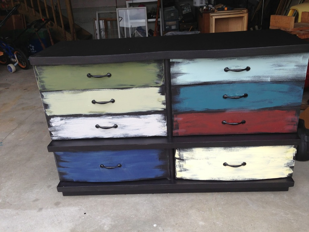 Picture of: Dresser With Different Colored Drawers Diy