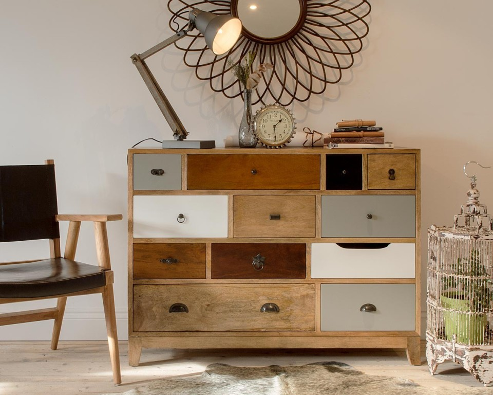 Picture of: Dresser With Different Colored Drawers Ideas