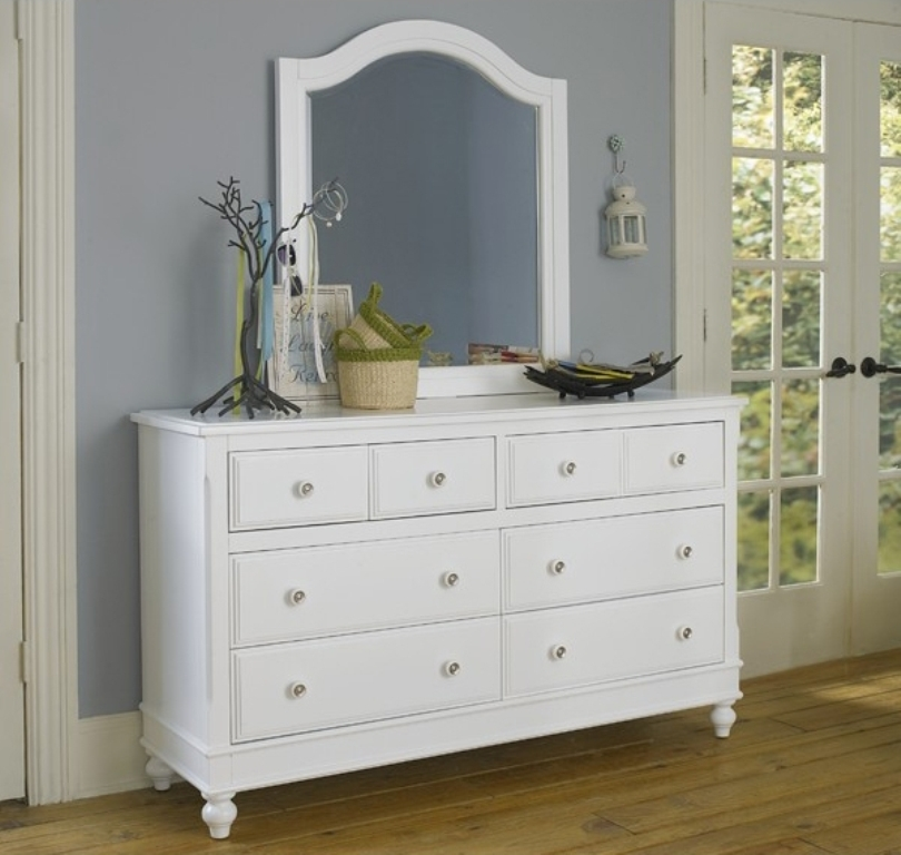Image of: Modern Dresser With Mirror White