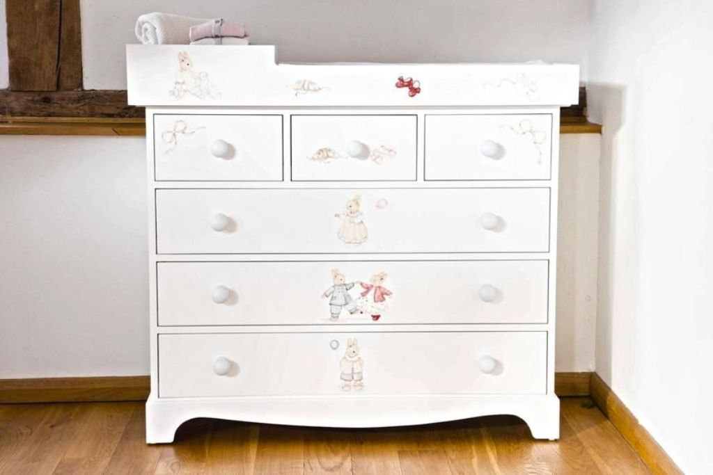 Image of: Extra Large Chest Of Drawers Design