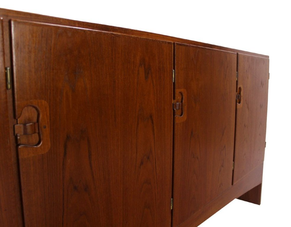Image of: Extra Long Modern Dresser