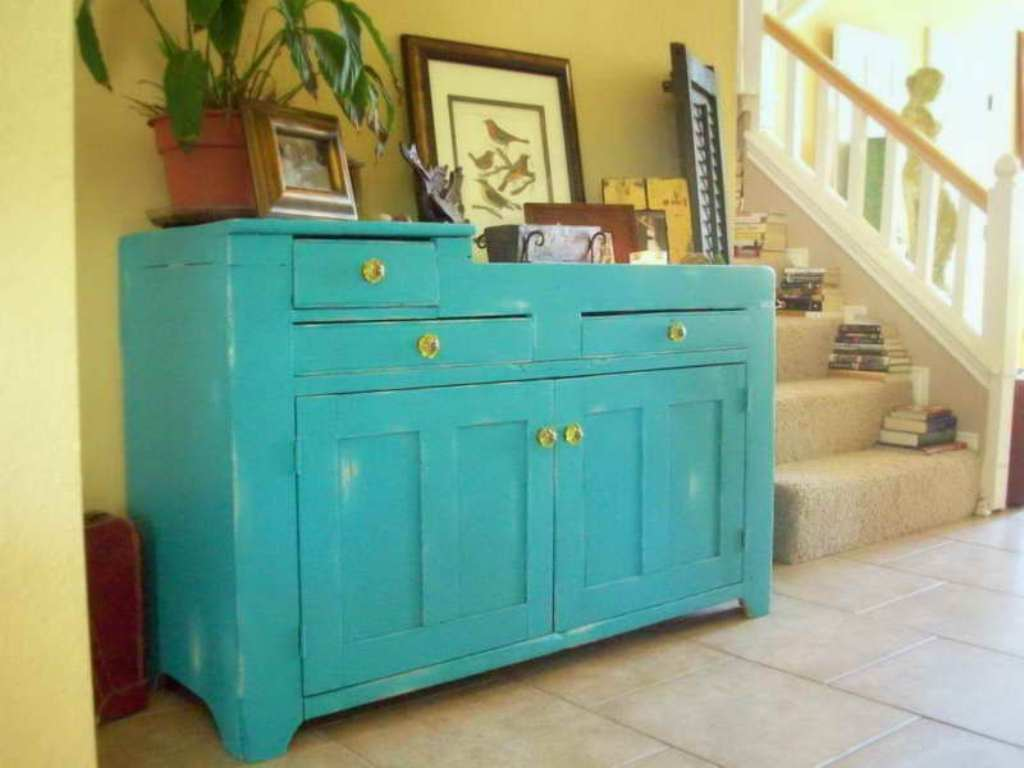 Image of: Finished Distressed Wood Dresser