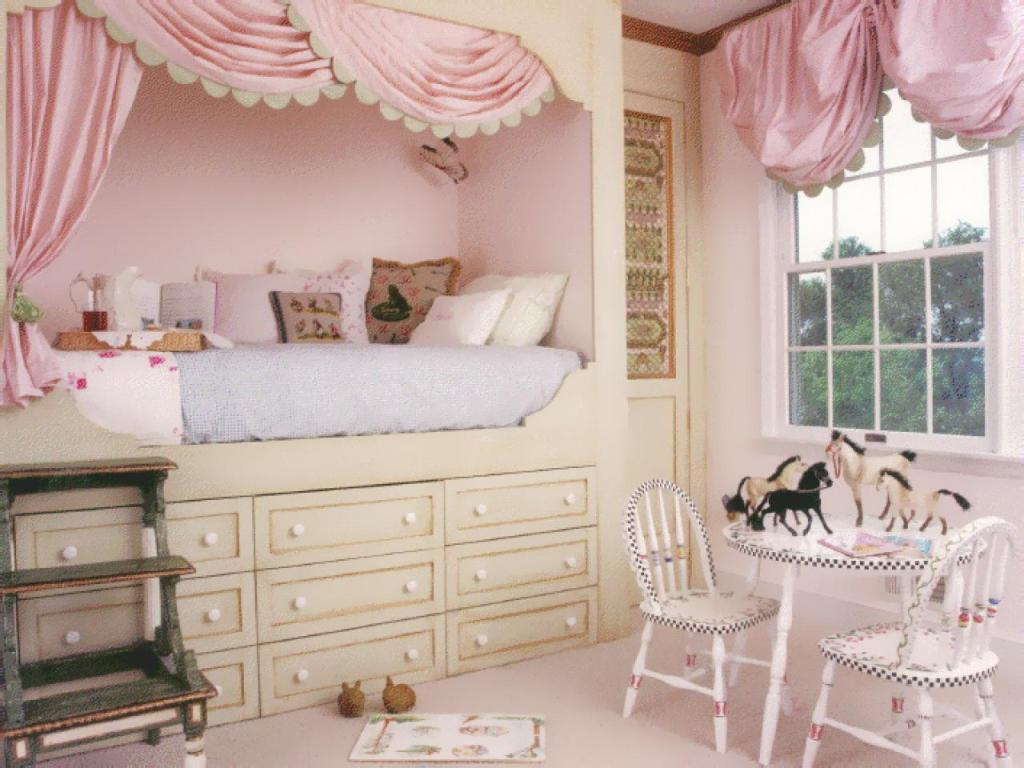 Image of: Girls Bunk Beds With Dresser Built In