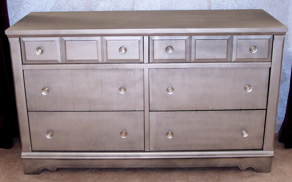 Picture of: Glass Drawer Handles For Dressers