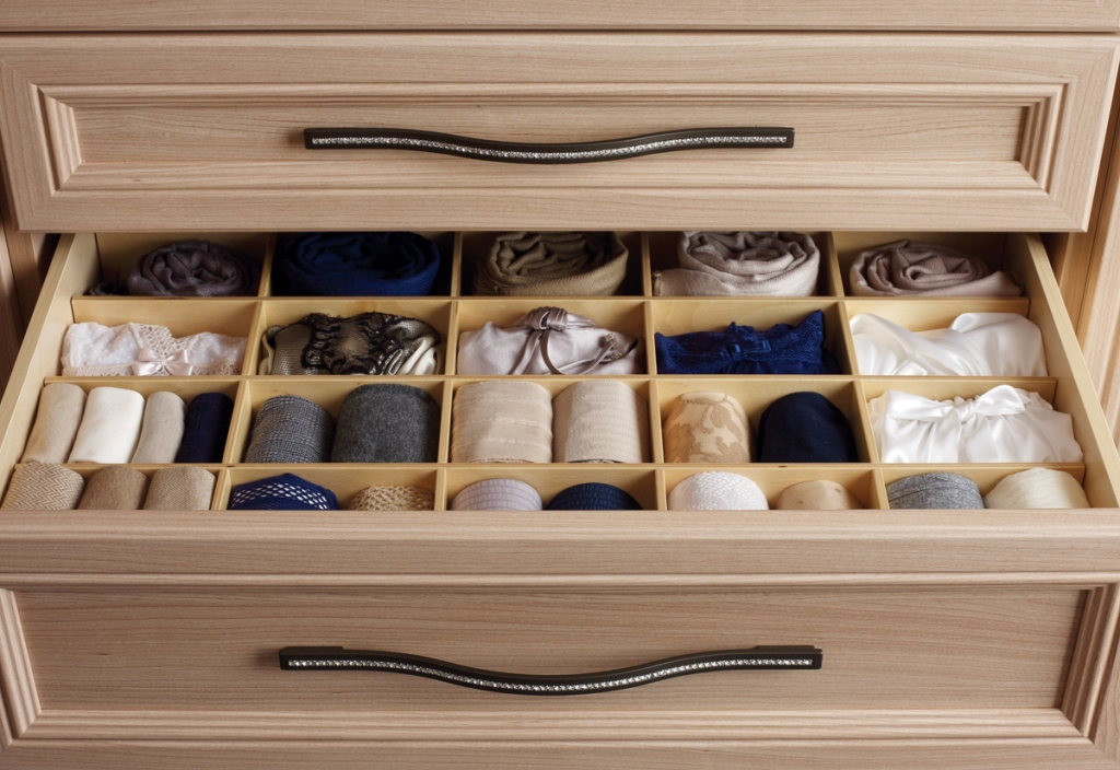 Image of: Good Dresser Drawer Organizer