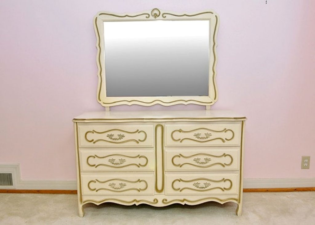 Image of: Great 6 Drawer Dresser With Mirror