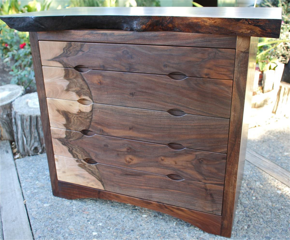 Picture of: Handle Pulls Dresser Drawers