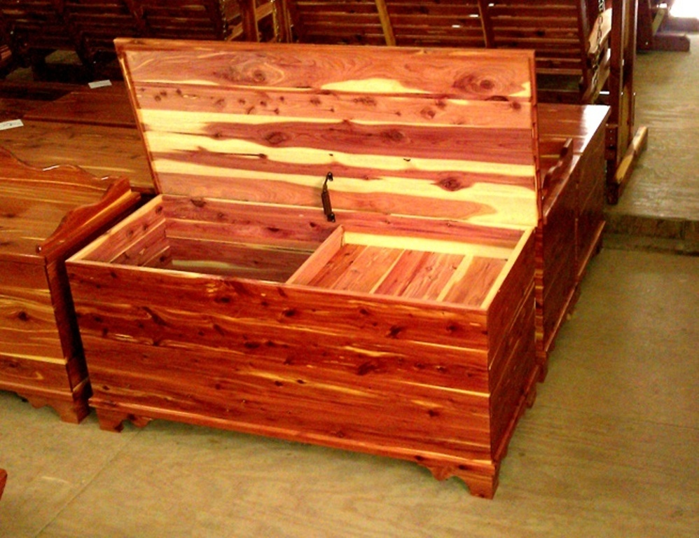 Image of: Handmade Cedar Furniture