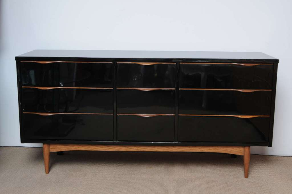 Image of: High Gloss Black Lacquer Dresser