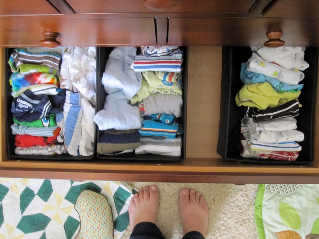 Picture of: How To Organize Dresser