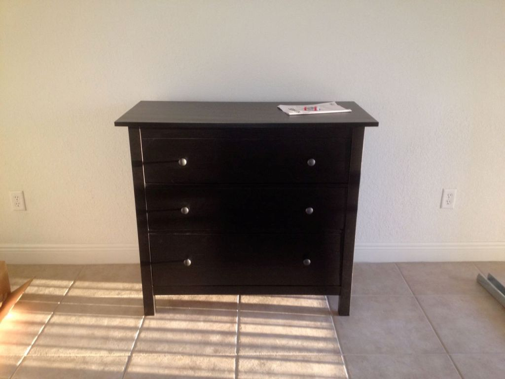 Image of: Ikea Hemnes 3 Drawer Dresser