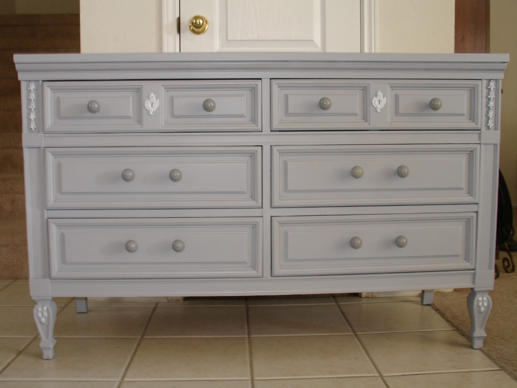 Image of: Modern Antique Grey Dresser