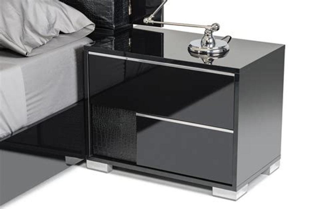 Image of: Modern Black Dresser And Nightstand Set