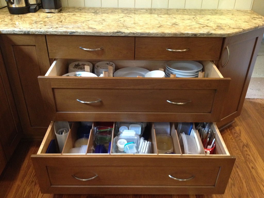 Image of: Organize Dresser Drawers