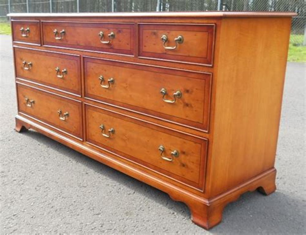 Image of: Oversized Chest Of Drawers
