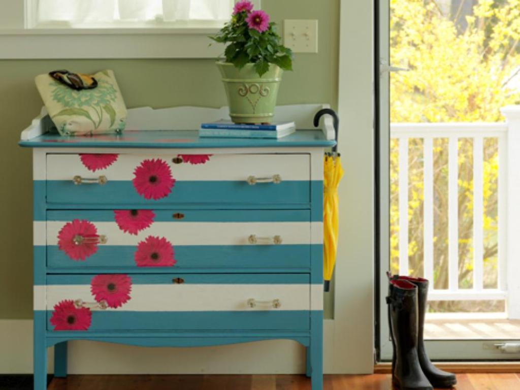 Picture of: Painted Dresser Ideas Diy