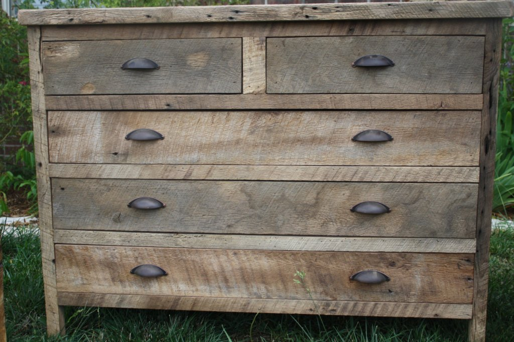 Image of: Reclaimed Wood Dresser