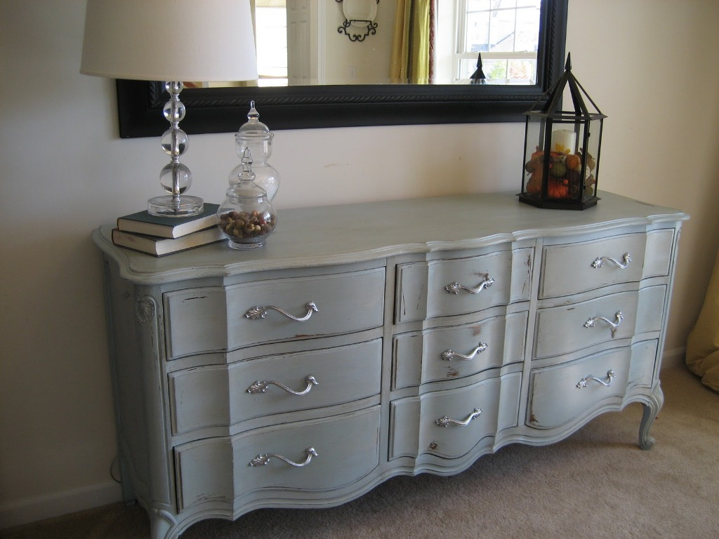 Image of: Rustic Antique Grey Dresser