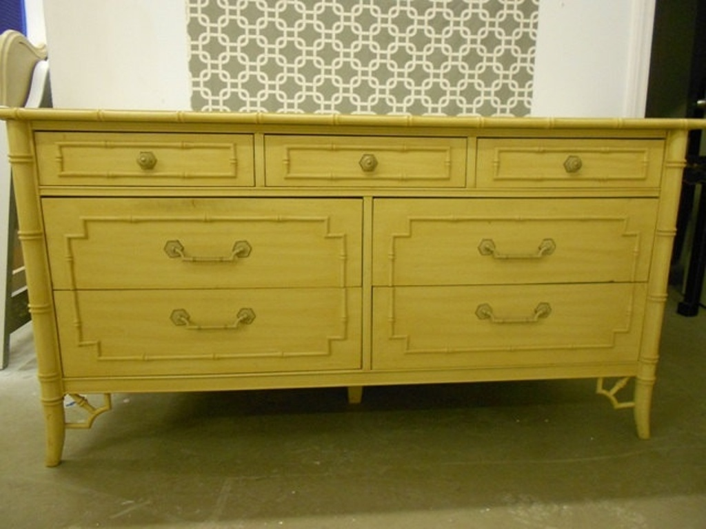 Image of: Thomasville Faux Bamboo Dresser Designs