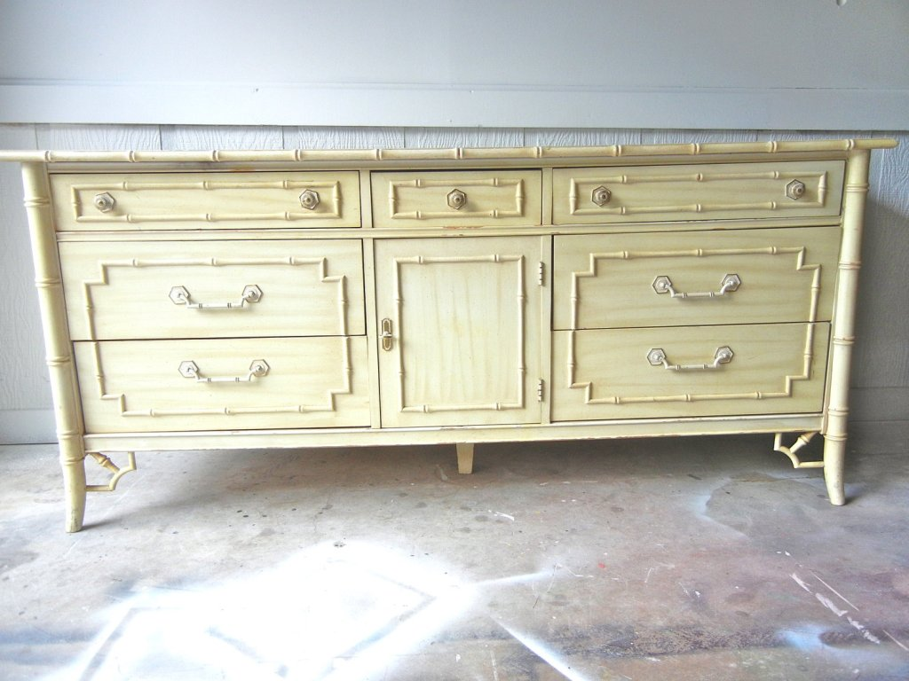 Image of: Thomasville Faux Bamboo Dresser
