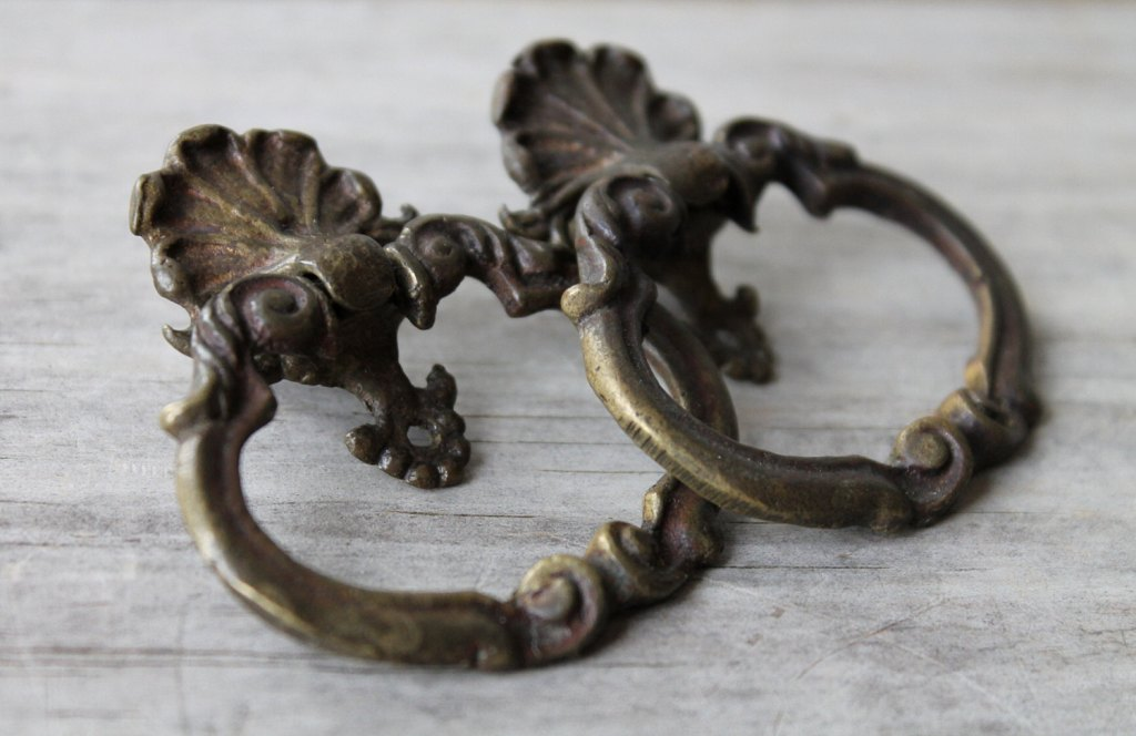 Picture of: Victorian Drawer Pulls