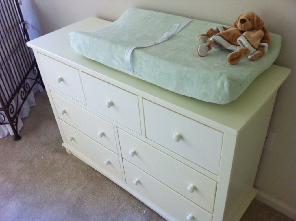 Find Out Ideal Changing Table Dresser
