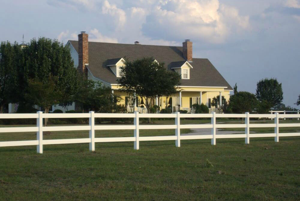Picture of: 3 Rail White Wood Fence