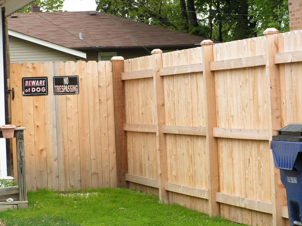Picture of: 4 Foot Privacy Fence Ideas