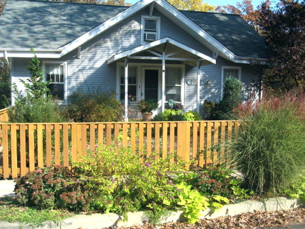 Picture of: Affordable Front Yard Fence Ideas