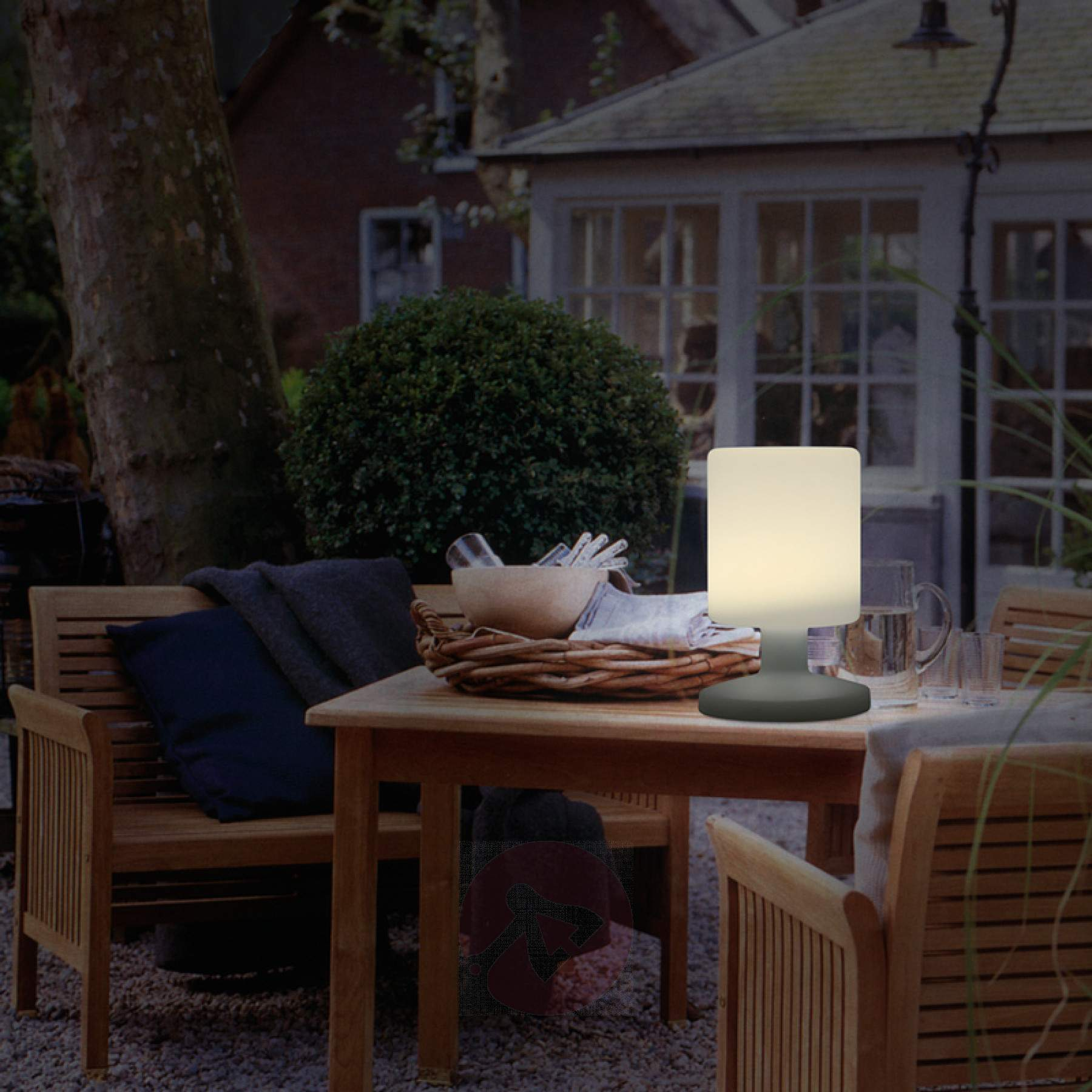 Picture of: Amazing Outdoor Table Lamp