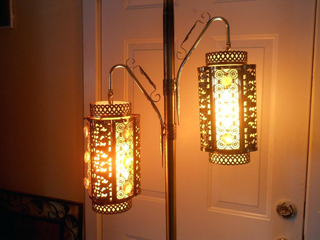 Picture of: Antique Outdoor Pole Lamps