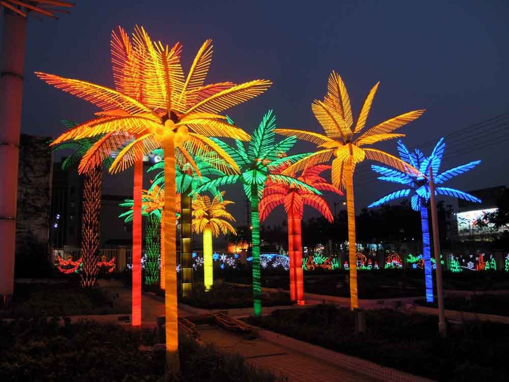 Picture of: Artificial Outdoor Lighted Palm Tree