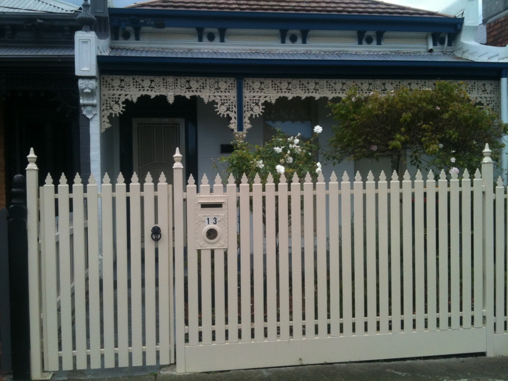 Awesome Metal Picket Fence