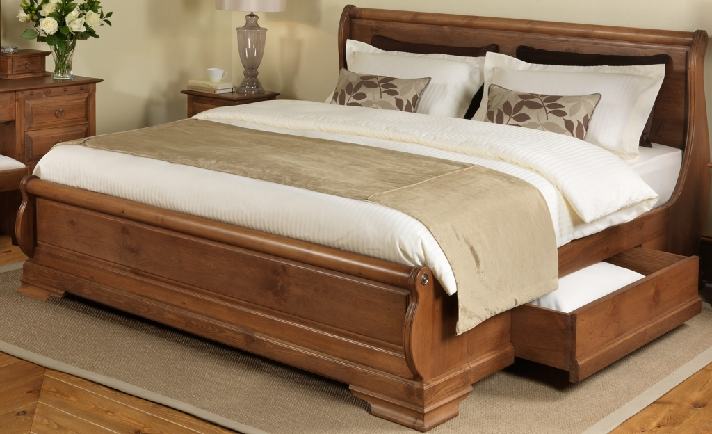 Image of: Awesome Solid Wood Storage Bed