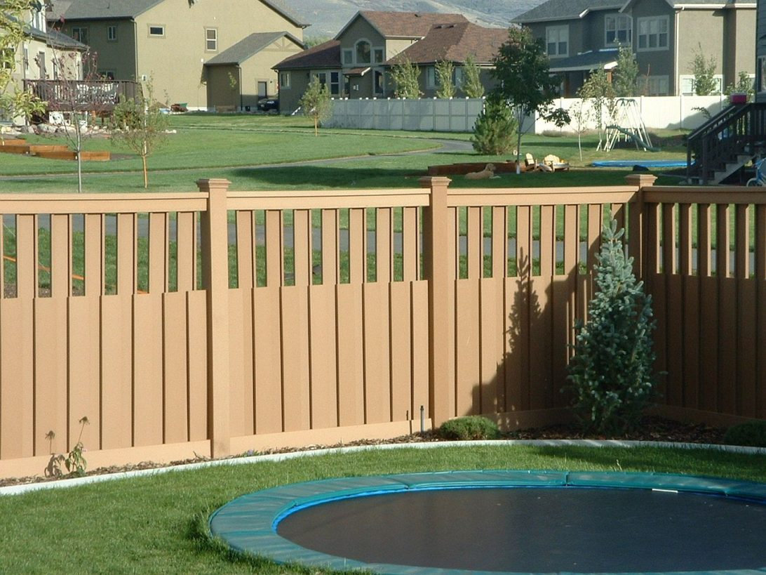 Picture of: Awesome Types of Wood Fences