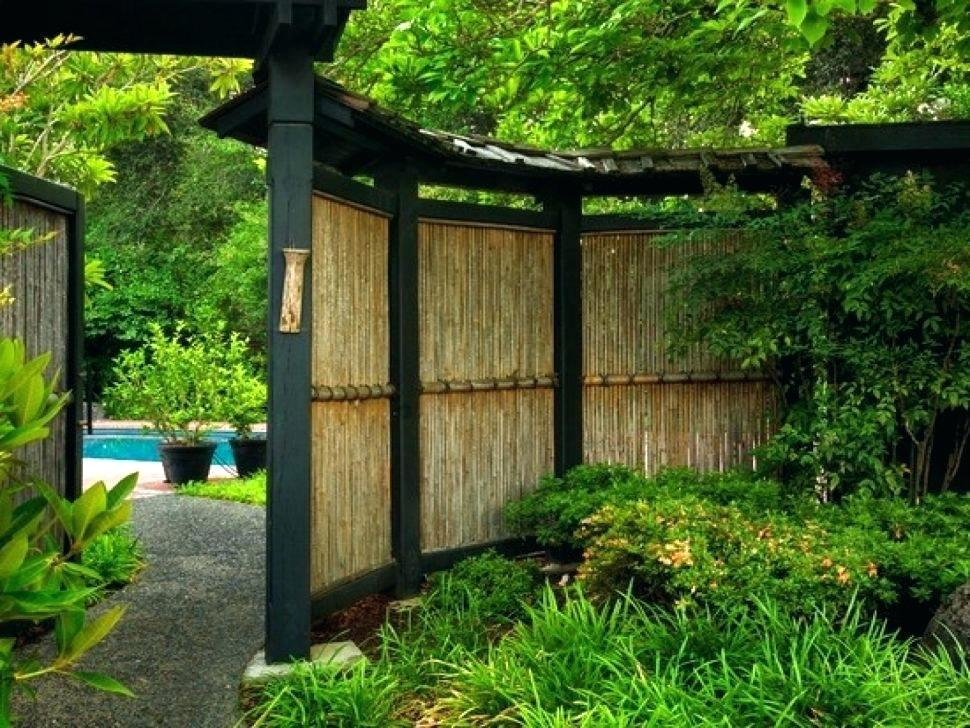 Picture of: Backyard Pool Fence Ideas